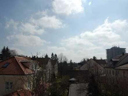 Gepflegte und möblierte 2-Zimmer-Dachgeschosswohnung in Unterschleißheim