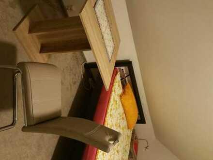 Wohnung mit 2 Schlafzimmern,Küche ,Bad und Wohnzimmer an Monteure zu vermieten