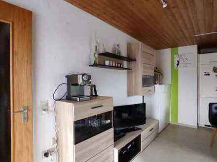 Stilvolle, gemütliche 1-Zimmer-DG-Wohnung mit Balkon in Laupheim