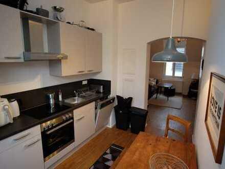 Ehrenfeld: helle + toll kernsanierte Altbau-Wohnung, kpl. EBK, ca. 51 qm, 2ZKDB, französ. Balkon.