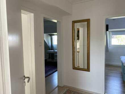 Top renoviert, modern und neu möbliert!! Super schicke 2 Raumwohnung mit Wohnküche