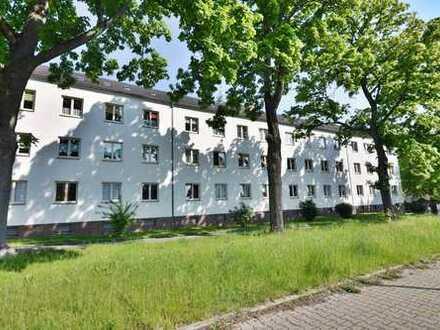Solide Kapitalanlage im Sachsenring, mit Aussenstellplatz und Balkon!