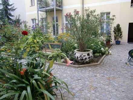 Freie Altbauwohnung mit 2 Balkonen nahe Schloß Charlottenburg & S-Bhf. Jungfernheide
