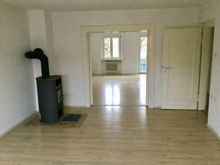 Exklusive, sanierte 4-Zimmer-Wohnung mit Balkon und Einbauküche in Nürnberg