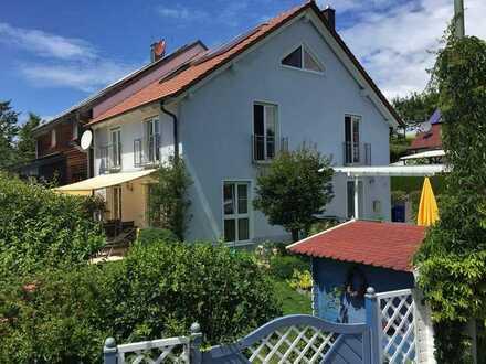 *Wohnen wie im Urlaub* Schöne u. großzügige Doppelhaushälfte in idyll. Randlage Friedberg/Harthausen