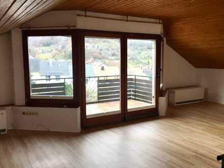 Ruhige 3,5-Zi. DG-Wohnung in Heubach-Lautern