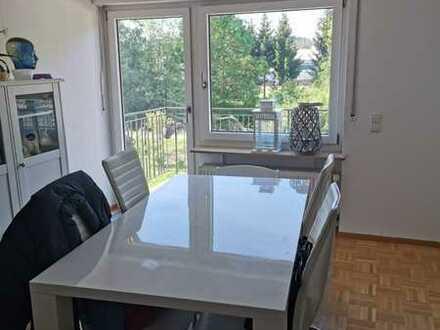 Helle, sanierte 4-Zimmer-Maisonette-Wohnung mit Balkon in Bammental