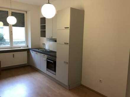 Erstbezug nach Sanierung: exklusive 3-Zimmer-EG-Wohnung mit Einbauküche in Augsburg