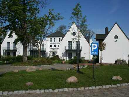 Kapitalanlage - Insel Rügen! Gepflegte Hotelanlage mit reetgedecktem Doppelferienhaus, Bj. 1994!