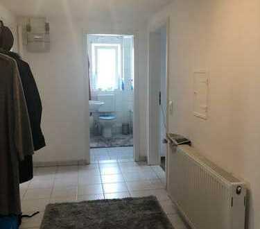 Schöne, modernisierte 2-Zimmer-DG-Wohnung zum Kauf in Pforzheim