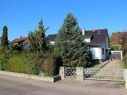 1-2 Familienhaus mit sensationellem Garten in bester Wohnlage!