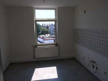 Günstige 5-Zimmer-Wohnung zur Miete in Wilhelmshaven