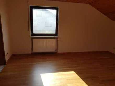 Schöne, geräumige zwei Zimmer Wohnung mit Balkon in Rohrbach