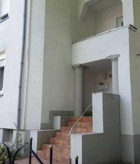 Schöne 3 Zimmer- Wohnung im 3 Mehrfamilienhaus