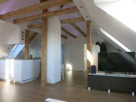 Möblierte 2,5-Zimmer-Wohnung in Halbhöhenlage