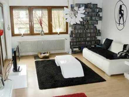 *2 ZKBB* mit Balkon und Einbauküche in Karlsruhe