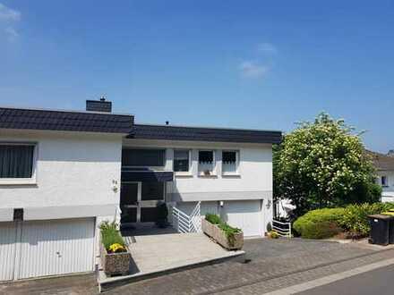 Schöne Aussichten!!! 2-Zimmer-Wohnung mit Rheinblick