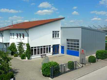REPRÄSENTATIVE GEWERBEHALLE mit Büros und Ausstellungsflächen.