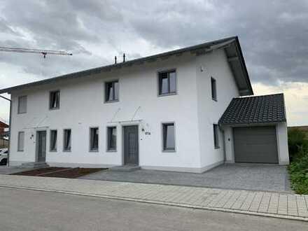 Moderne Doppelhaushälfte mit fünf Zimmern in Deggendorf (Kreis), Osterhofen / Altenmarkt