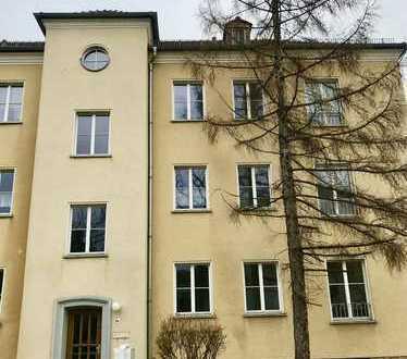 Gemütliche 2-Raum-Wohnung mit Einbauküche in Dresden