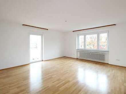 Helle und großzügige 3-Zimmer Wohnung mit 2 Balkonen in München-Pasing!