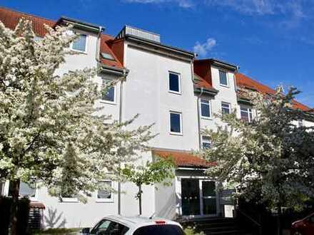 HORN IMMOBILIEN ++ Neubrandenburg Lindenberg vermietete 2-Raum Dachgeschosswohnung