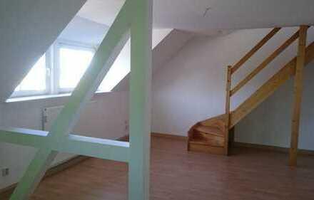 Gemütliche DG-Maisonettewohnung mit Balkon sucht neues Leben!