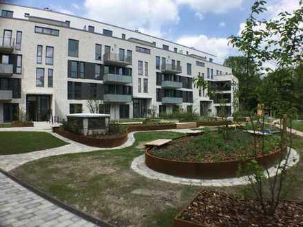 Neubau Erstbezug Tarpenbeker Ufer: Großzügige EG-Wohnung mit Loggia, EBK