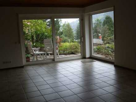 Schöne, geräumige 2-Zimmer-Wohnung mit Terrasse im Rhein-Neckar-Kreis