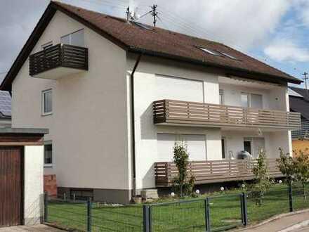 Sanierte 4-Zimmer-DG-Wohnung mit Balkon in Finningen