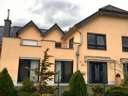 Lichtdurchflutet - gepflegte Doppelhaushälfte - fünf Zimmer - in Weilerswist