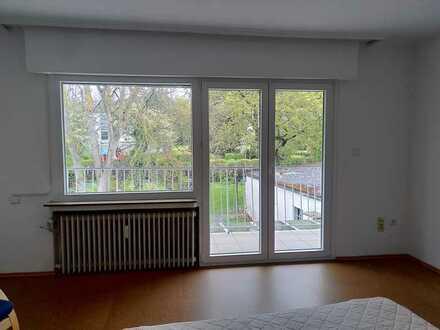 WG-Zimmer mit Familienanschluss (mit Balkon und Garten)