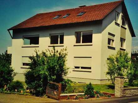Sonnige, gepflegte 4-Zimmer-EG-Wohnung mit Süd/West Balkon in Haard