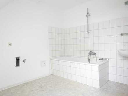 Preiswerte, vollständig renovierte 2-Zimmer-DG-Wohnung zur Miete in 39291 Möckern