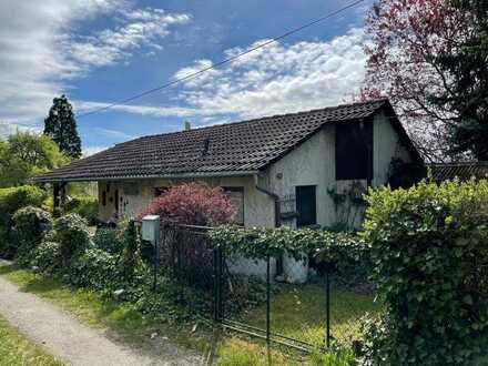 Freundliches Wochenendhaus mit zwei Zimmern und EBK auf dem Martinsberg