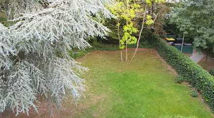 Luxuriöse Wohnung mit 500 qm privatem Garten am Stadtwald