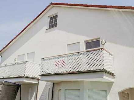 Gepflegte 3-Raum-Wohnung mit Balkon und Einbauküche in Eich