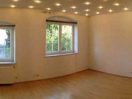 Helle 2 Zimmer EG-Wohnung, Waldenbuch, Böblingen (Kreis)
