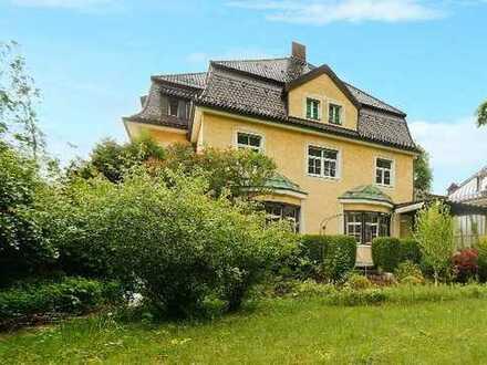 E&Co. - Denkmal-AfA. Historische Jugendstilvilla mit ca. 915 qm Wohn-/Nutzfläche in BESTLAGE.