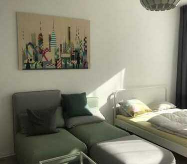 Schöne, geräumige teilmöblierte Einzimmer Wohnung in Berlin, Prenzlauer Berg