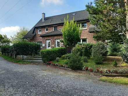 Gepflegte 4-Zimmer-Terrassenwohnung mit Balkon und EBK in Odenthal