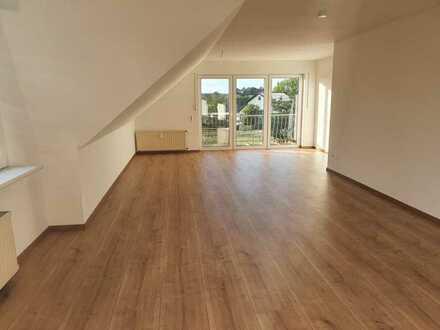Erstbezug nach Sanierung: schöne 3,5-Zimmer-DG-Wohnung mit Balkon in Iserlohn Sümmern