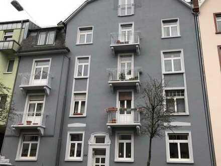 Großzügige Dachgeschosswohnung im beliebten Frankfurter Nordend!