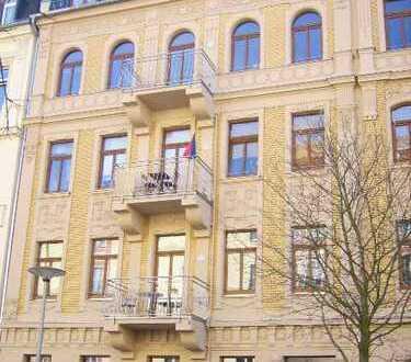Zentrum - kleine 2 Zi.-Wohnung mit Balkon!