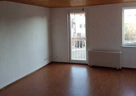 Schöne 4 ZKB ca. 82 qm, große Küche und Bad mit Dusche im EG in Guxhagen-Wollrode
