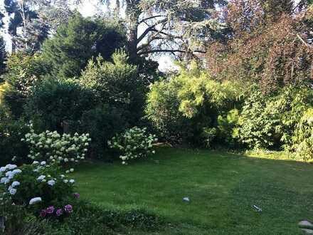 """Düsseldorf-Düsseltal Top Wohnlage """" HAUS IM HAUS mit Garten, """" wunderschön """" elegantes Wohnambiente"""