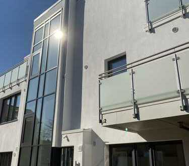 Erstbezug mit EBK und Balkon: freundliche 3-Zimmer-Penthouse-Wohnung in Bordesholm
