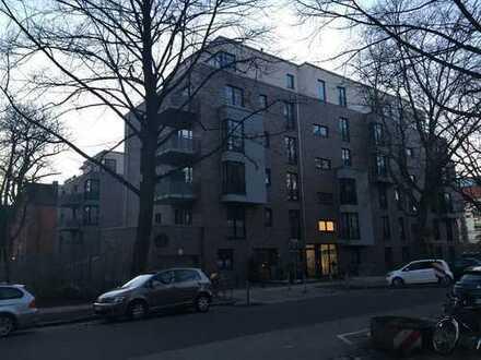 3-Zimmer-Wohnung, neuwertig, mit Balkon, EBK und TG-Stellplatz in Barmbek-Süd