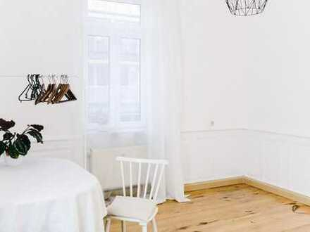 19 qm² großes, helles Zimmer - teilmöbliert im Altbau mit Garten