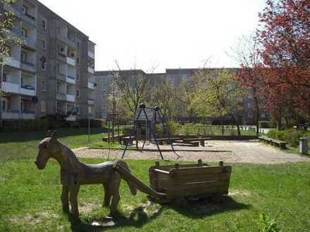 WBG - 3-RWE - mit einem schönen Spielplatz auf dem Innenhof!